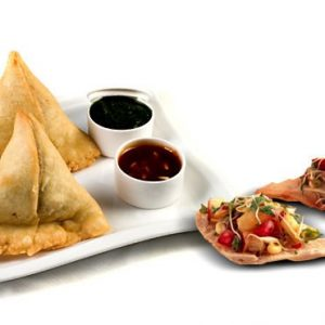 Satiate your Hunger Pangs with Crispy & Spicy Punjabi Samosas